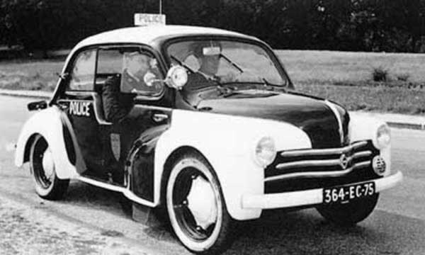 La renault 4 cv for Interieur 4cv